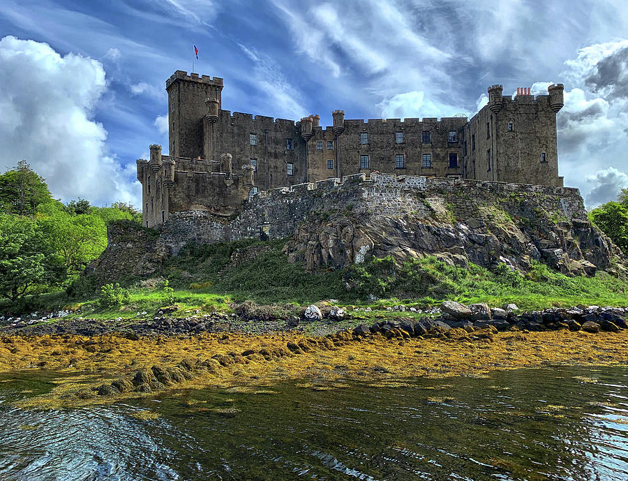 Dunvegan Castle by Dave Mills