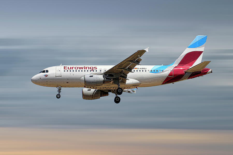 Eurowings Mixed Media - Eurowings Airbus A319-112 by Smart Aviation