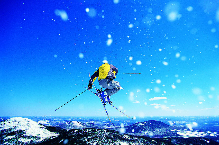 Man Skiing Photograph by Digital Vision.