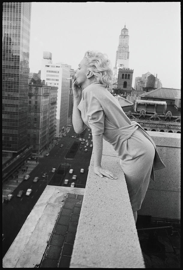 Marilyn On The Roof Photograph by Michael Ochs Archives