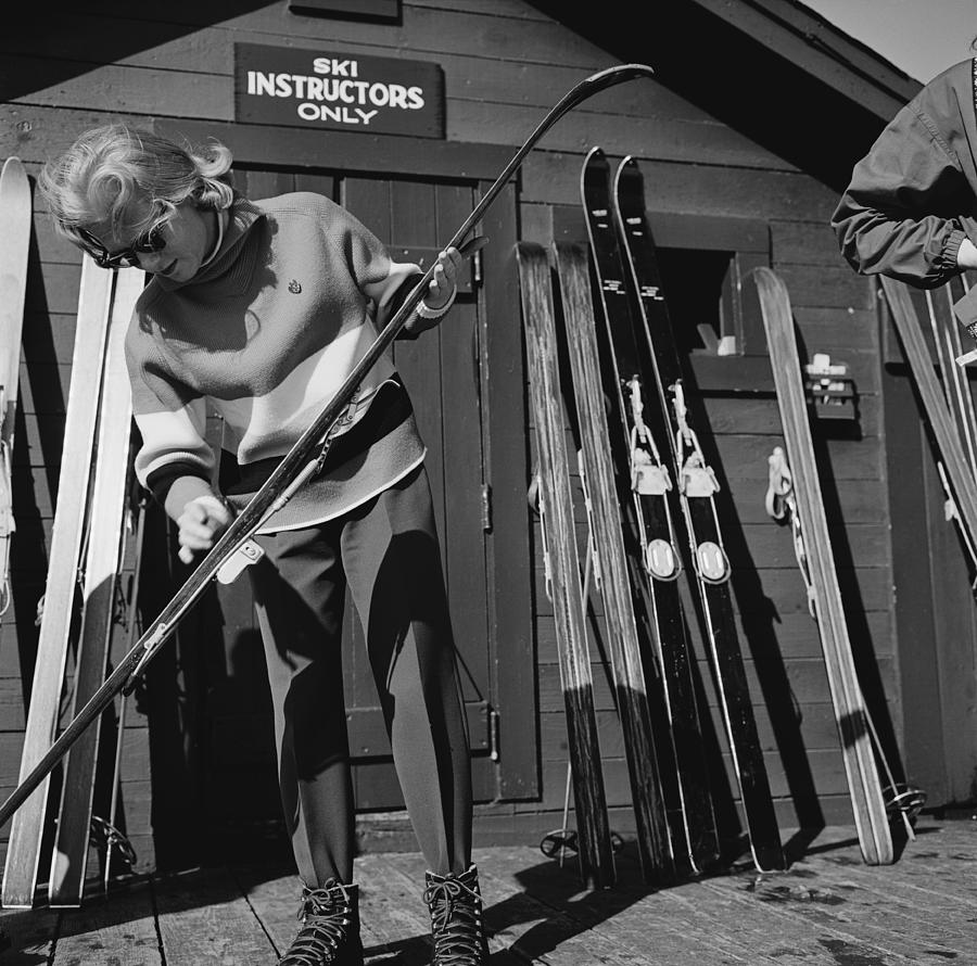 New England Skiing 4 Photograph by Slim Aarons