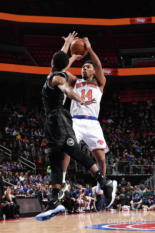 New York Knicks V Detroit Pistons Photograph by Chris Schwegler