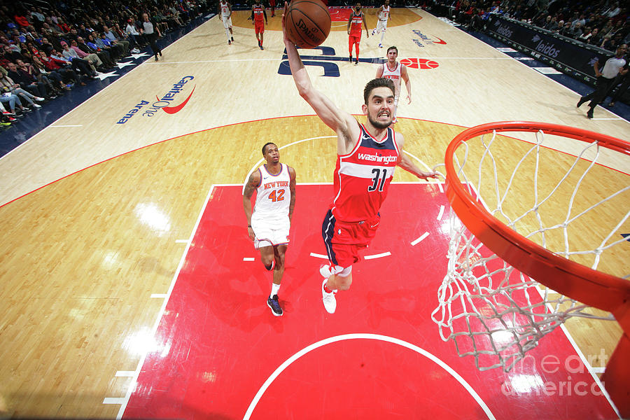 New York Knicks V Washington Wizards Photograph by Ned Dishman