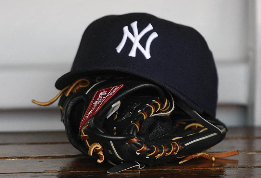 New York Yankees V Florida Marlins Photograph by Ronald C. Modra/sports Imagery