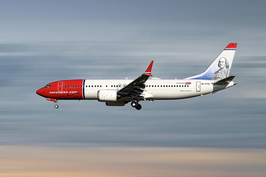 Norwegian Mixed Media - Norwegian Boeing 737 Max 8 by Smart Aviation