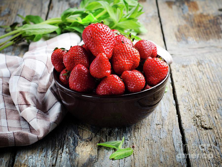 Strawberries by Jelena Jovanovic