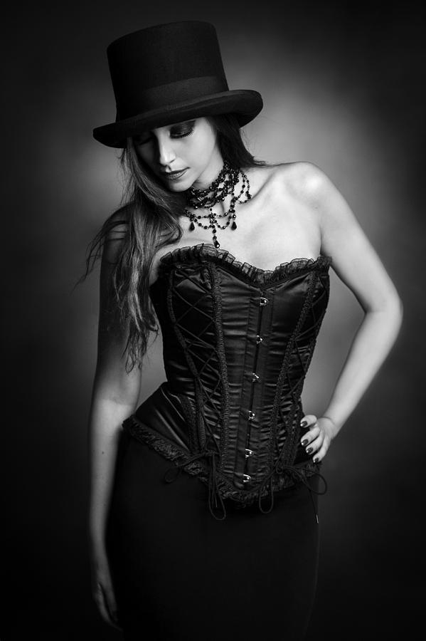 Portrait Photograph - Untitled 4 by Lillo Bonadonna