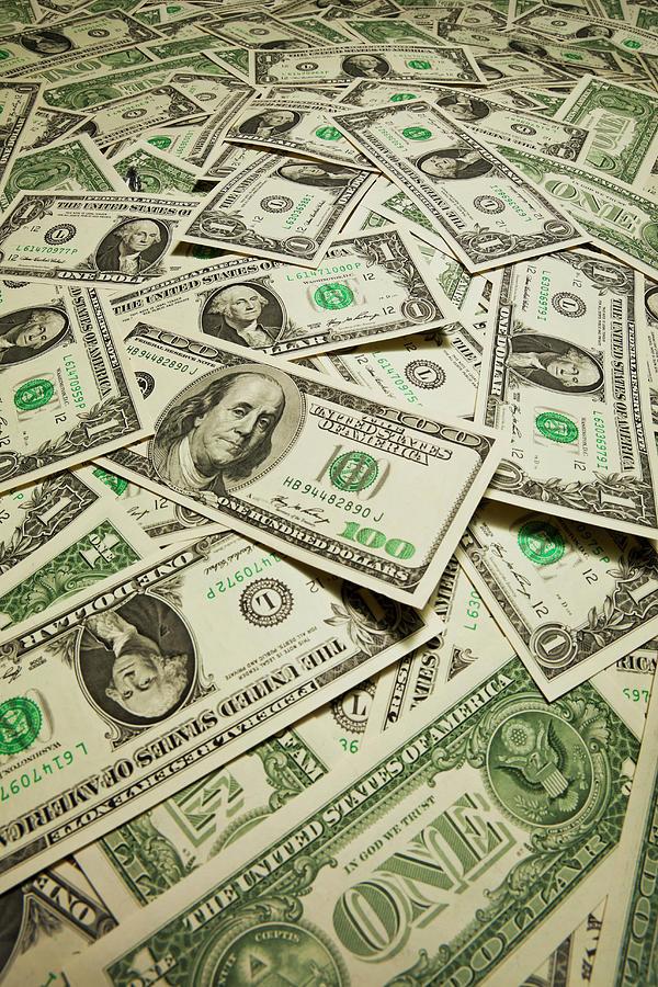 Us Dollart Banknotes Photograph by Yuji Sakai
