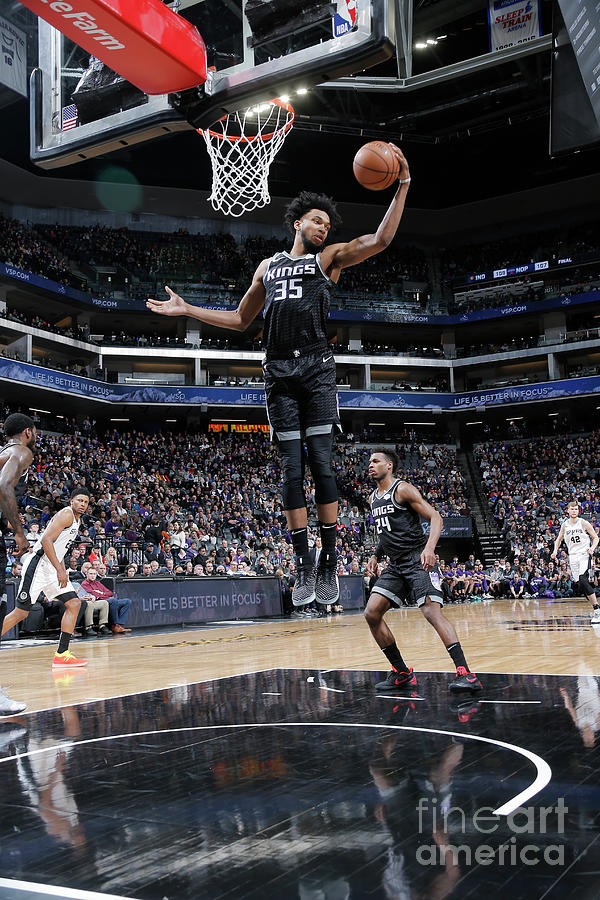 San Antonio Spurs V Sacramento Kings Photograph by Rocky Widner