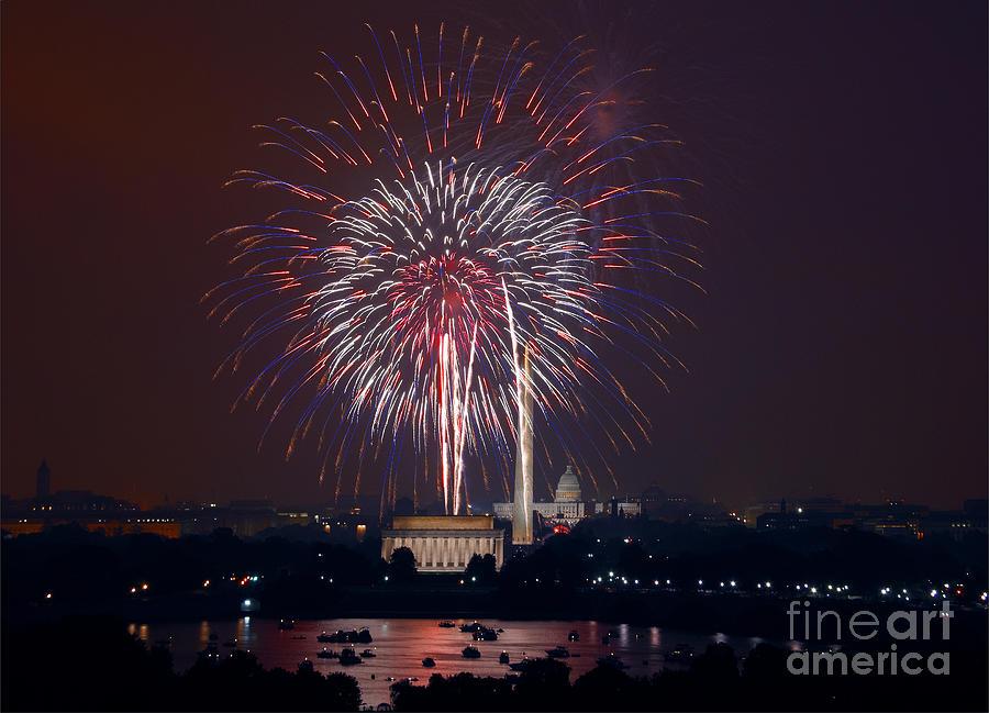 4th of July Fireworks, 2008 by Carol Highsmith
