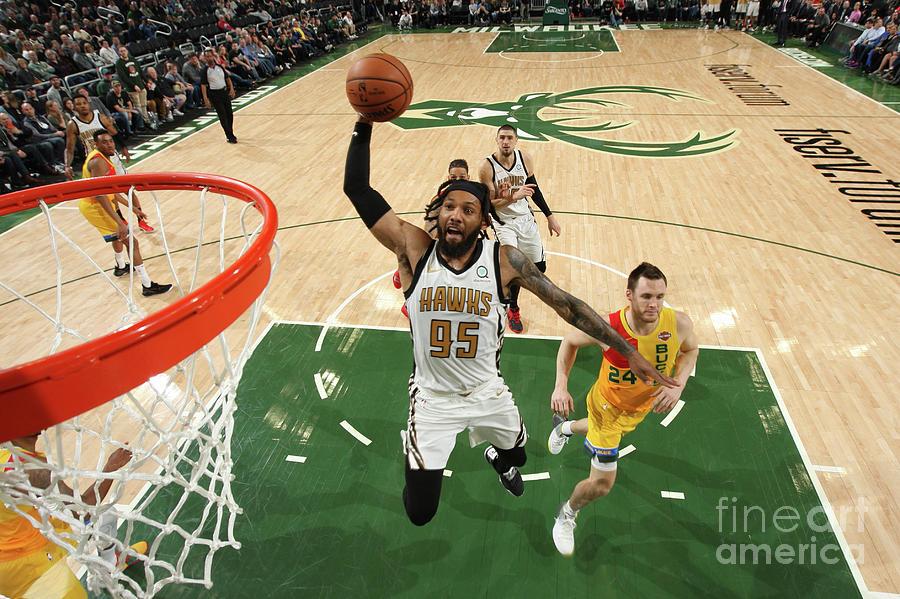 Atlanta Hawks V Milwaukee Bucks Photograph by Gary Dineen