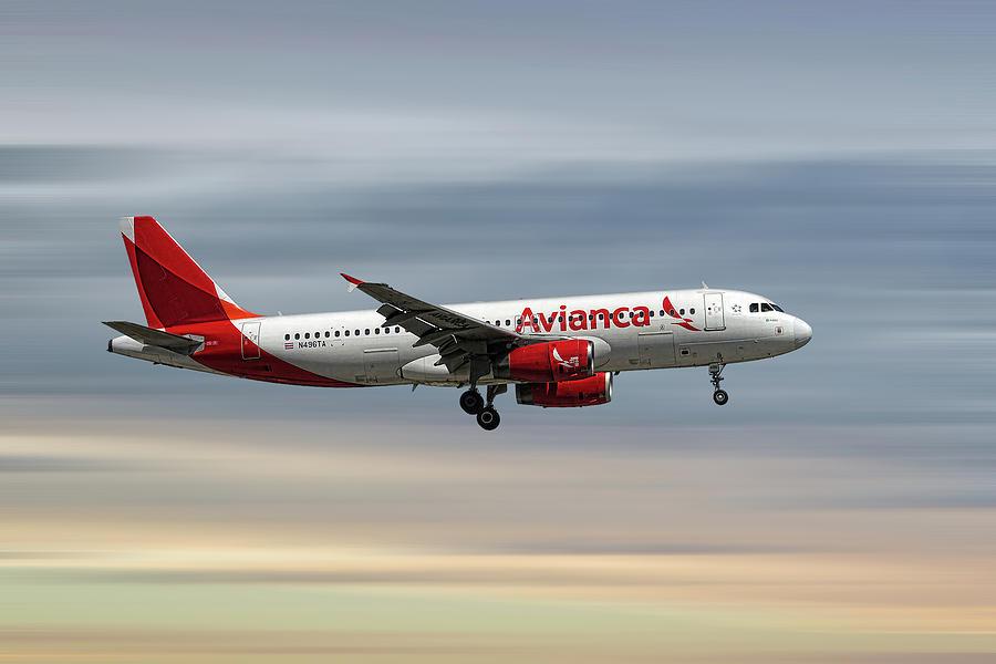 Avianca Mixed Media - Avianca Airbus A320-233 by Smart Aviation