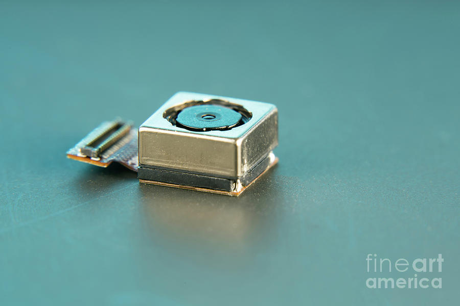 Camera Photograph - Camera Module For Mobile Phone by Wladimir Bulgar/science Photo Library