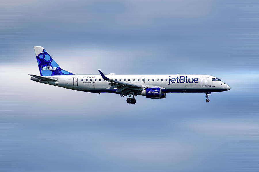 Jetblue Mixed Media - Jetblue Airways Embraer Erj-190ar by Smart Aviation