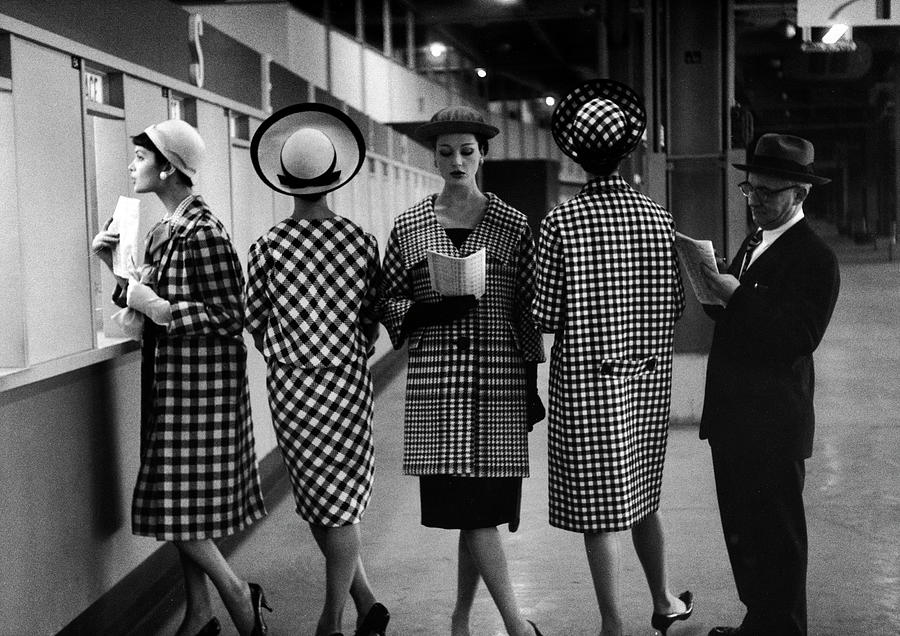 5 Models Wearing Fashionable Dress Photograph by Nina Leen