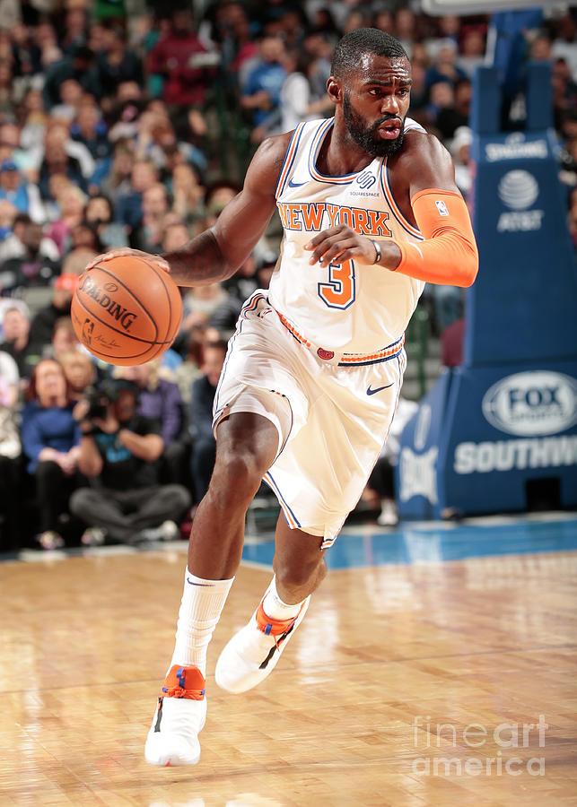 New York Knicks V Dallas Mavericks Photograph by Glenn James