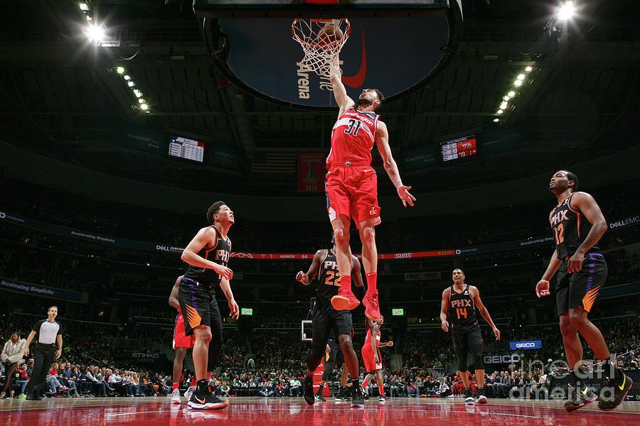 Phoenix Suns V Washington Wizards Photograph by Ned Dishman
