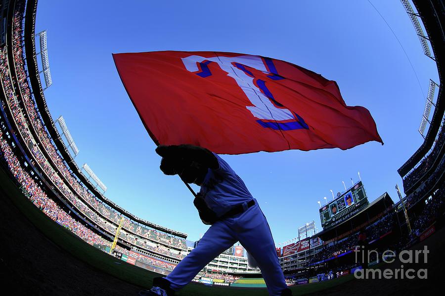 Seattle Mariners V Texas Rangers Photograph by Tom Pennington