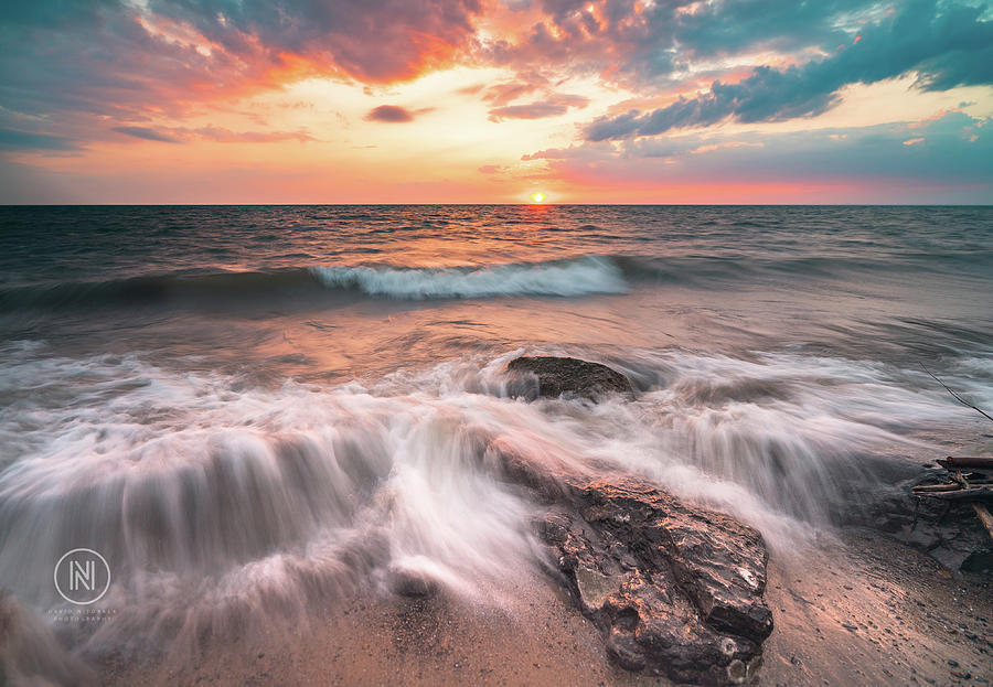 2018 Photograph - Lake Erie Sunset by Dave Niedbala