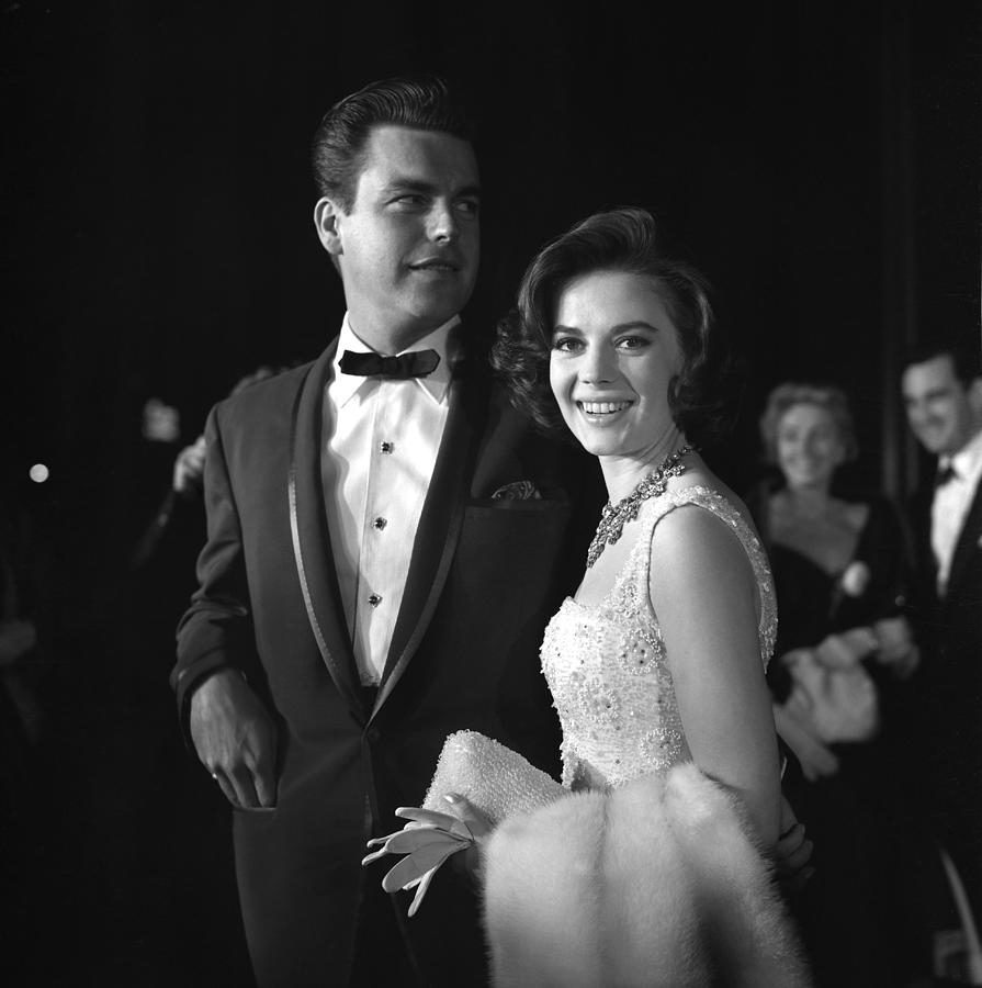 Event Photograph - Natalie Wood And Robert Wagner by Michael Ochs Archives