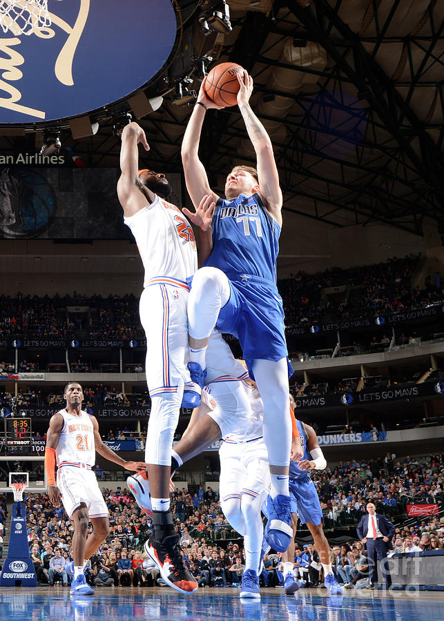 New York Knicks V Dallas Mavericks Photograph by Glenn James