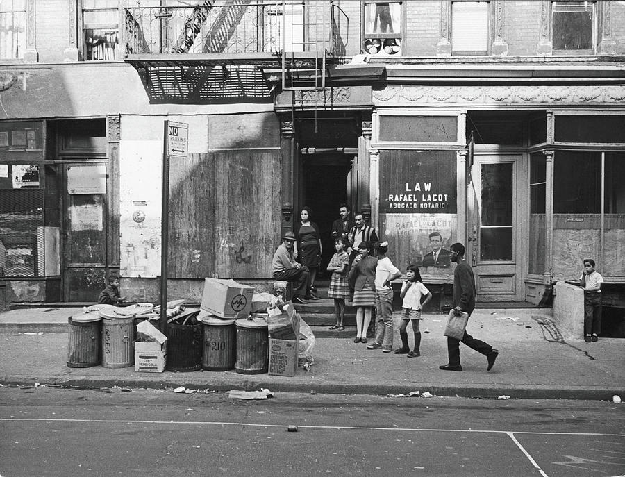 625 East Fifth Street, 1967 Photograph by Fred W. McDarrah