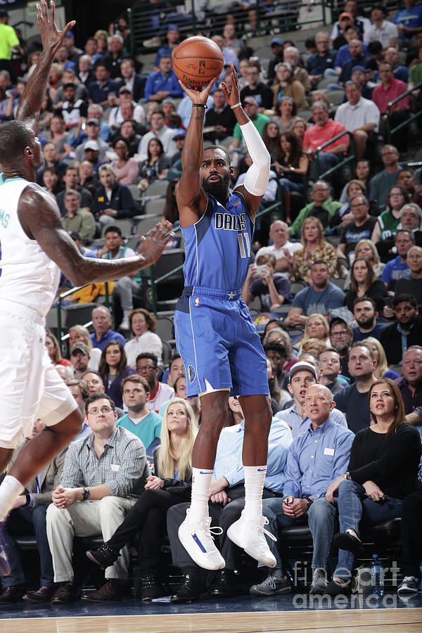 Charlotte Hornets V Dallas Mavericks Photograph by Glenn James