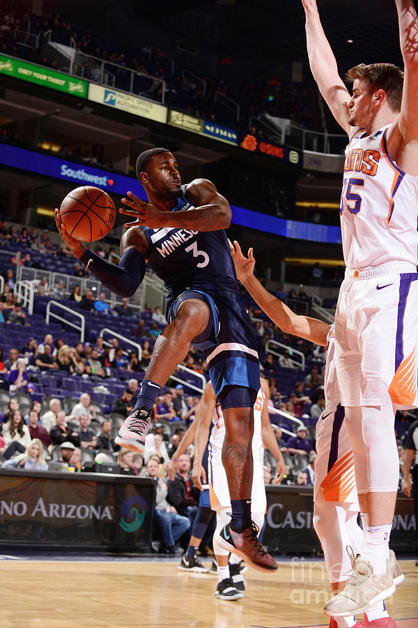 Minnesota Timberwolves V Phoenix Suns Photograph by Barry Gossage
