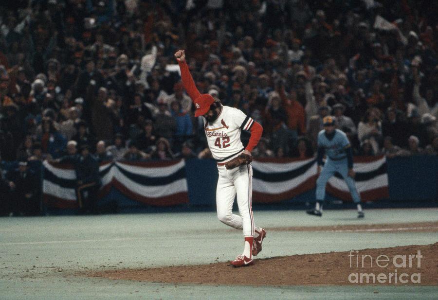 St. Louis Cardinals V. Milwaukee Photograph by Bettmann