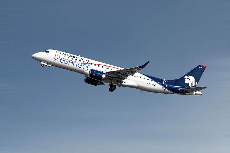 Aeromexico Mixed Media - Aeromexico Connect Embraer Erj-190ar by Smart Aviation