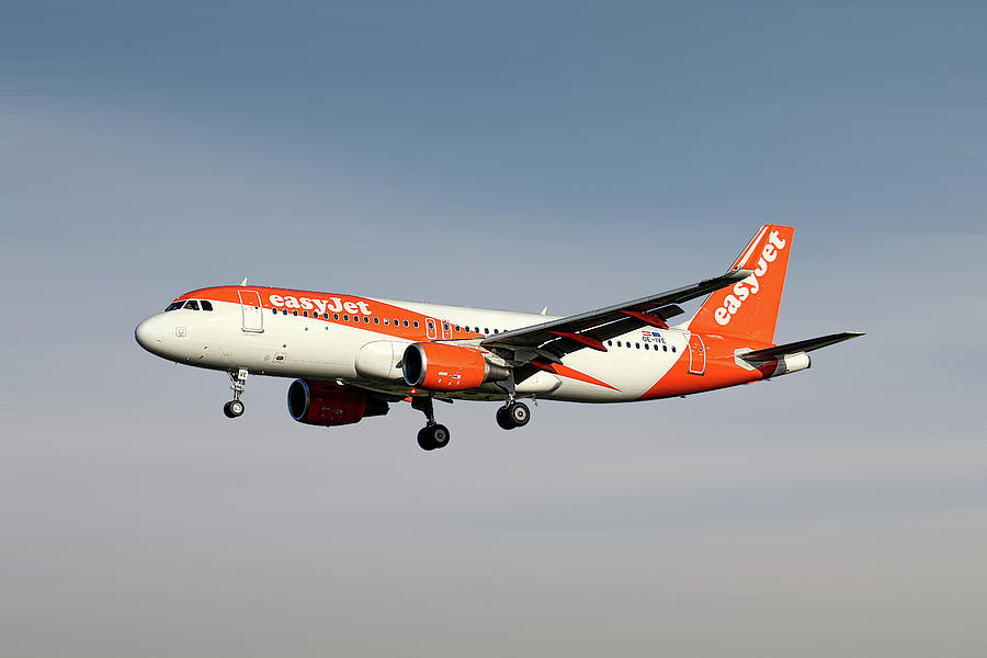 Easyjet Mixed Media - Easyjet Airbus A320-214 by Smart Aviation