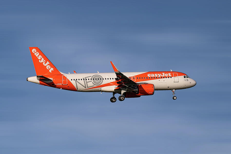 Easyjet Mixed Media - Easyjet Neo Livery Airbus A320-251n by Smart Aviation