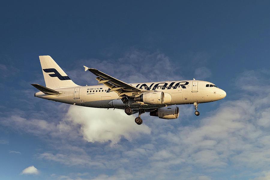 Finnair Mixed Media - Finnair Airbus A319-112 by Smart Aviation