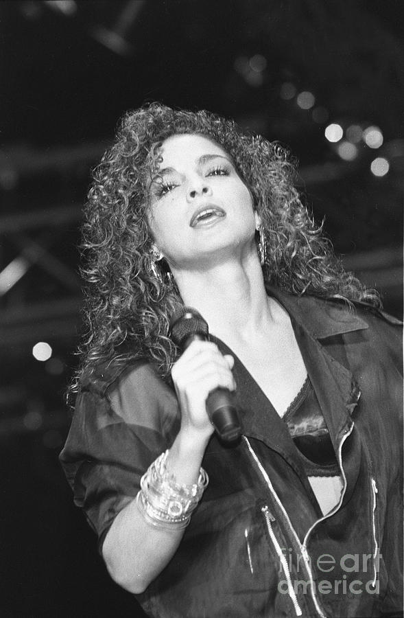 Cuban American Photograph - Gloria Estefan 8 by Concert Photos