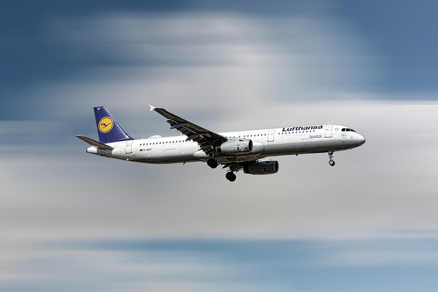 Lufthansa Airbus A321 Mixed Media - Lufthansa Airbus A321-231 by Smart Aviation