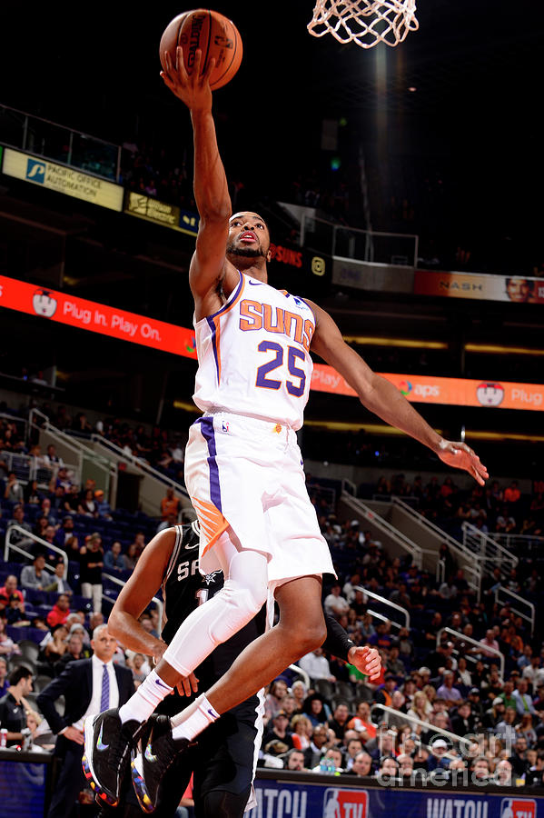 San Antonio Spurs V Phoenix Suns Photograph by Barry Gossage