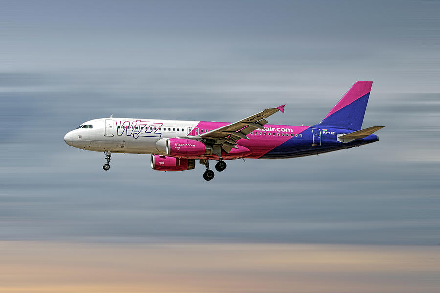 Wizz Air Mixed Media - Wizz Air Airbus A320-232 by Smart Aviation