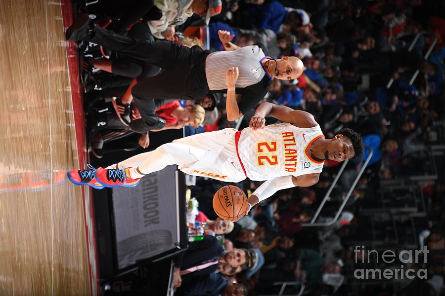 Atlanta Hawks V Detroit Pistons Photograph by Chris Schwegler