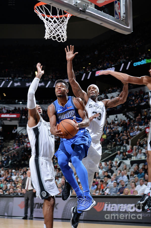 Dallas Mavericks V San Antonio Spurs Photograph by Mark Sobhani
