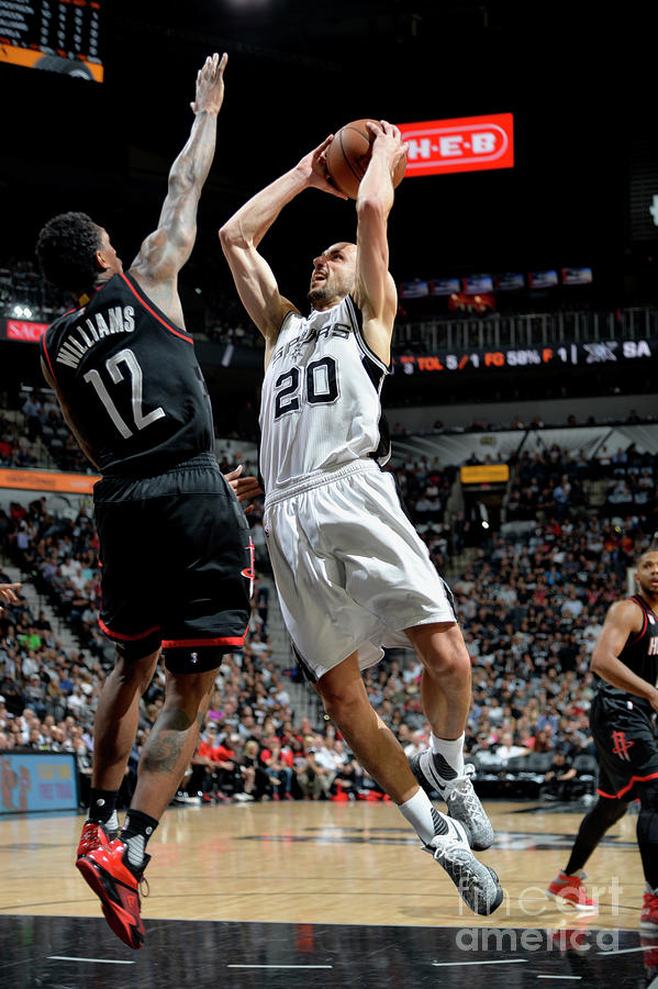Houston Rockets V San Antonio Spurs - Photograph by Mark Sobhani