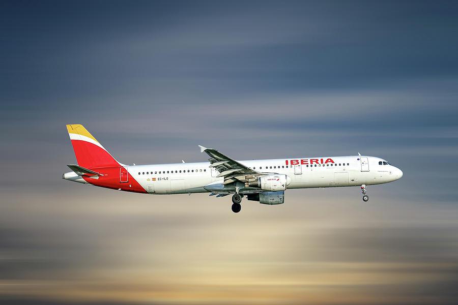 Iberia Mixed Media - Iberia Airbus A321-212 by Smart Aviation