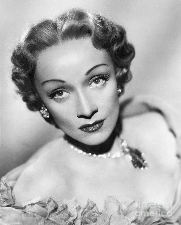 Marlene Dietrich Photograph by Bettmann