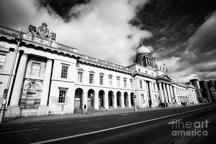 Dublin Photograph - The Custom House Custom House Quay Dublin Republic Of Ireland by Joe Fox