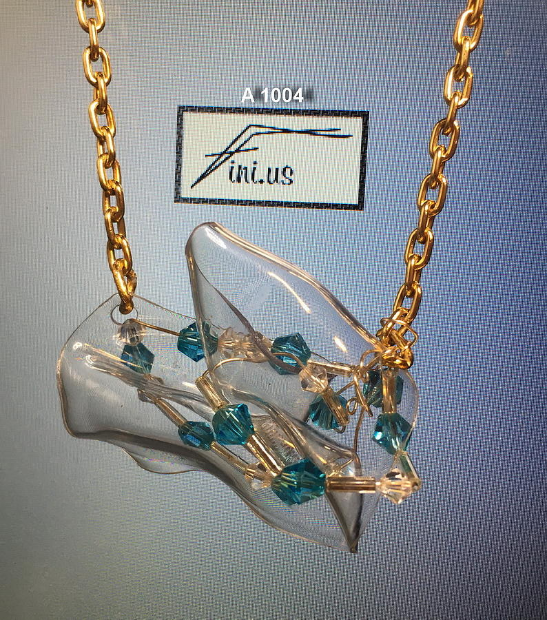 A 1004 Wire Wrapped Pendant by Mary Russell