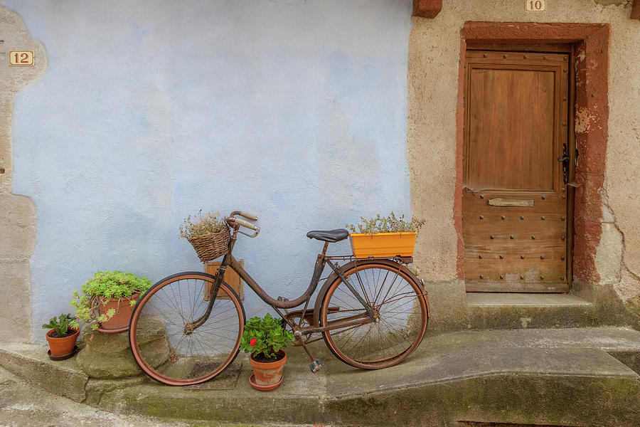Bicycling Photograph - A Bicycle At Number 10 by W Chris Fooshee