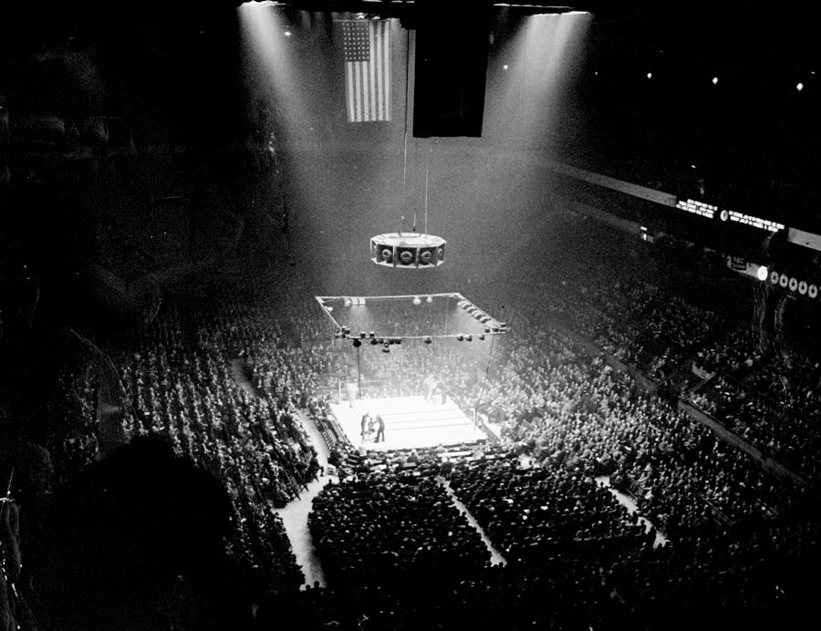 A Boxing Crowd At Madison Square Photograph by New York Daily News Archive