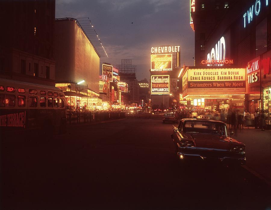 A Night In New York Photograph by Hulton Archive