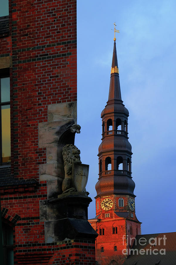 A view of the church of St. Catherines from the Speicherstadt by Marina Usmanskaya