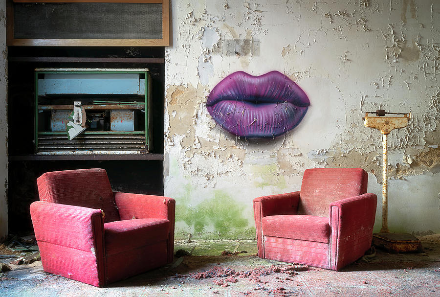 Abandoned Chairs and Lips by Roman Robroek