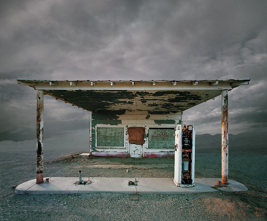 Abandoned Gas Station, Niland Ca Photograph by Ed Freeman